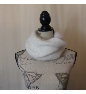 Snood 80% angora Ecru